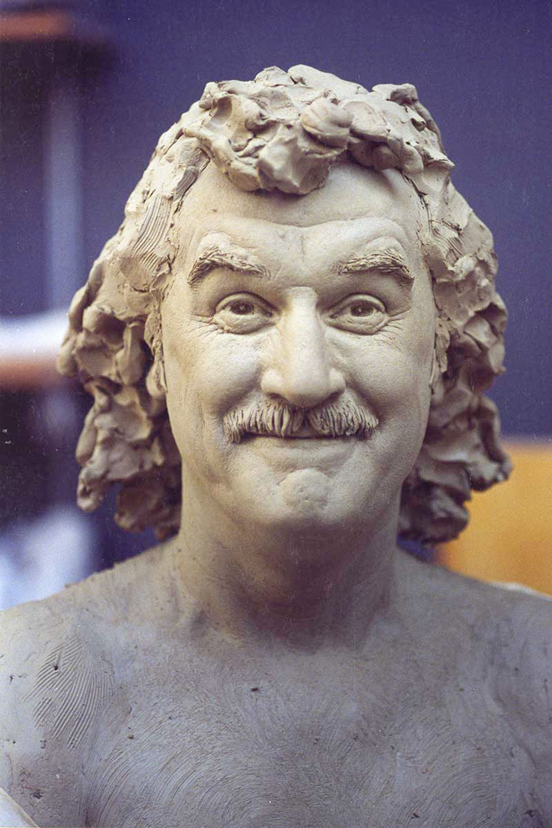 Sculpture of Billy Connolly by Karen Newman