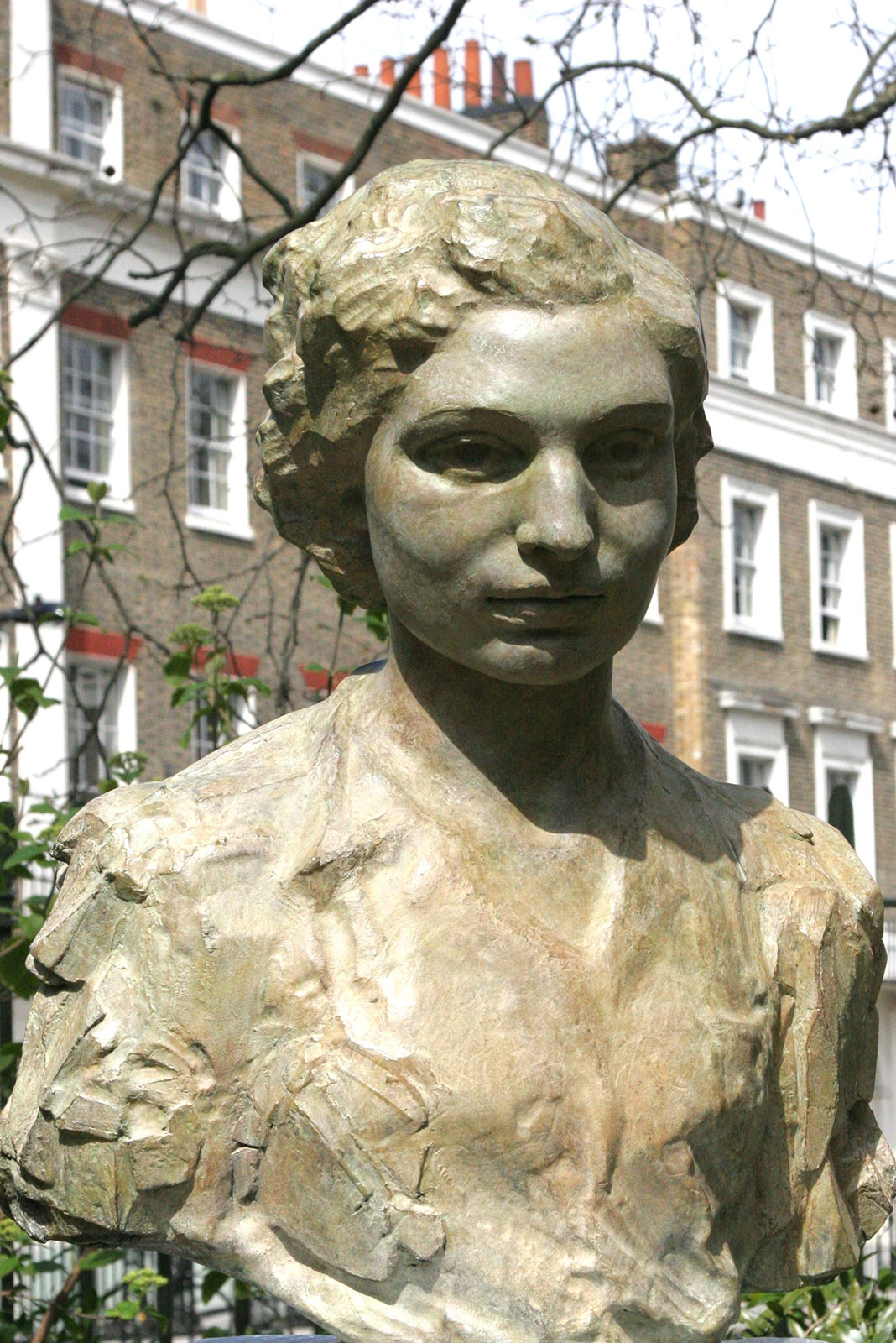 Sculpture of Noor Inayat Khan, GC, Croix de Guerre by Karen Newman